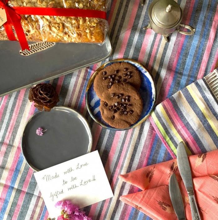 table-linen-multicolor